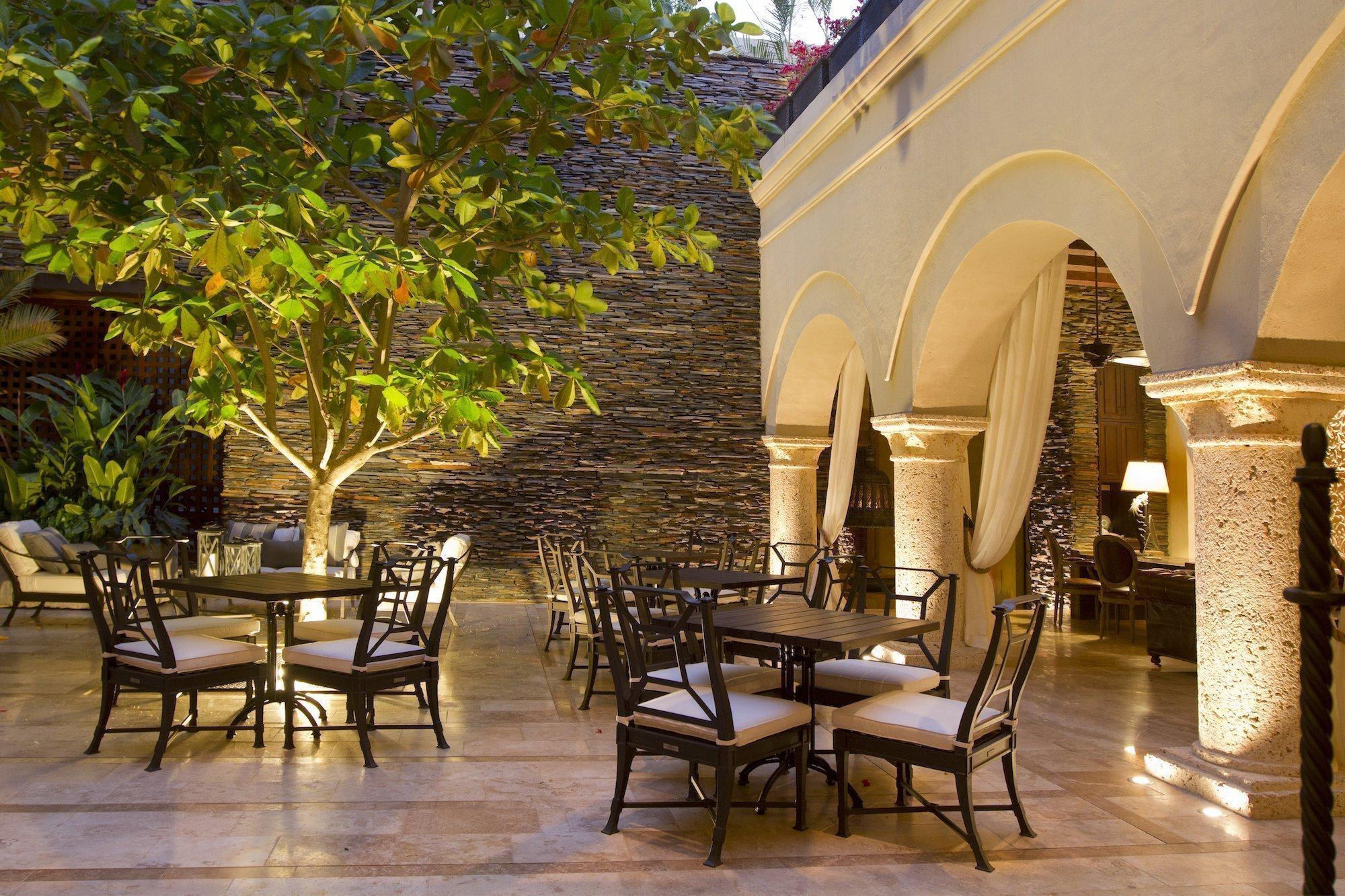 Bastión Luxury Hotel Restaurants, Official Website